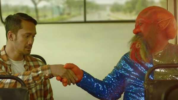 Gila Lu Ndro!: Dagelannya Garing, Satirenya Klise