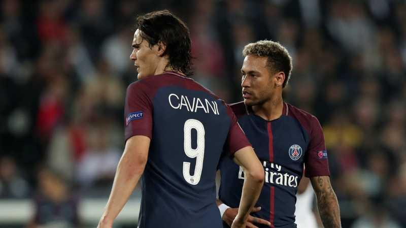 Cavani: Aku Tidak Perlu Berteman dengan Neymar