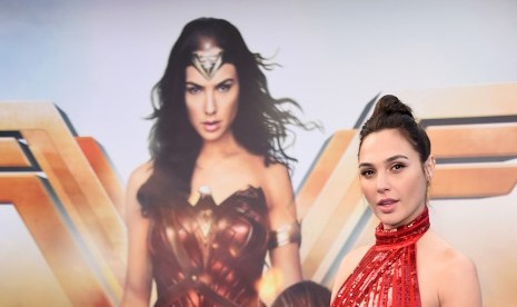 Warna Lipstik Ini Jadi Favorit Pemeran Wonder Women