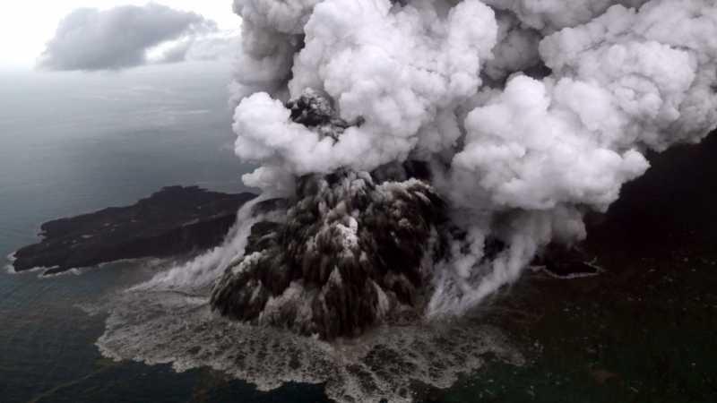 Penyebab Tinggi Gunung Anak Krakatau Turun Jadi 110 Meter