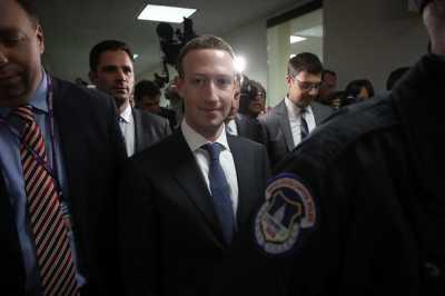 Pengawal Bos Facebook Dituduh Rasis dan Pelecehan Seksual