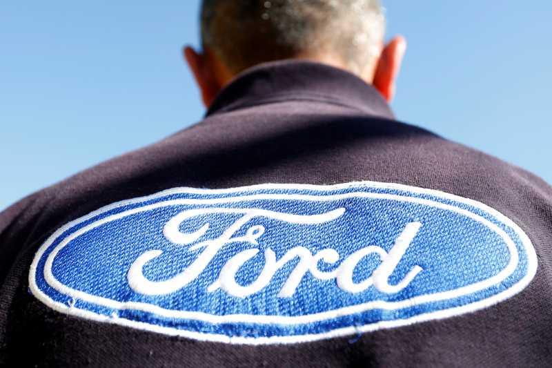 Juru Selamat Ford itu Bernama James Hackett