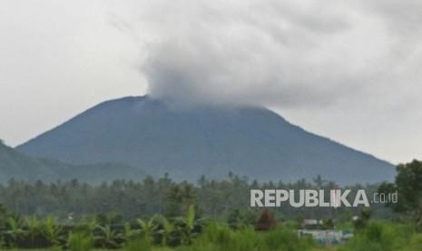Malam Ini, 16 Penerbangan Internasional di Bali Ditunda