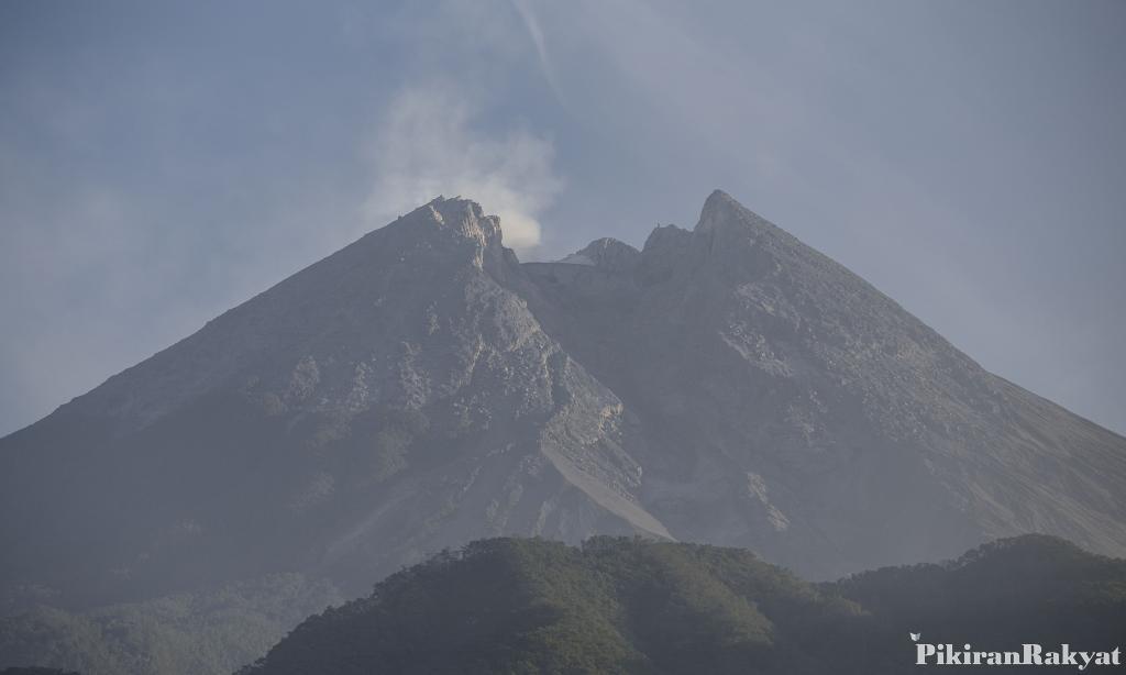 Kubah Lava Gunung Merapi Masih Tumbuh