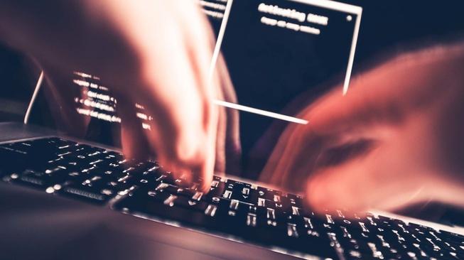 Kisah Hacker Surabaya: dari Point Blank hingga ke 42 Negara