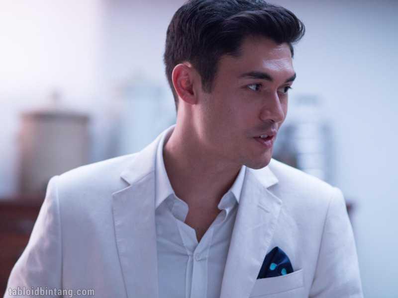 5 Fakta Seputar Si Ganteng Henry Golding, Pemeran Nick Young di Crazy Rich Asian