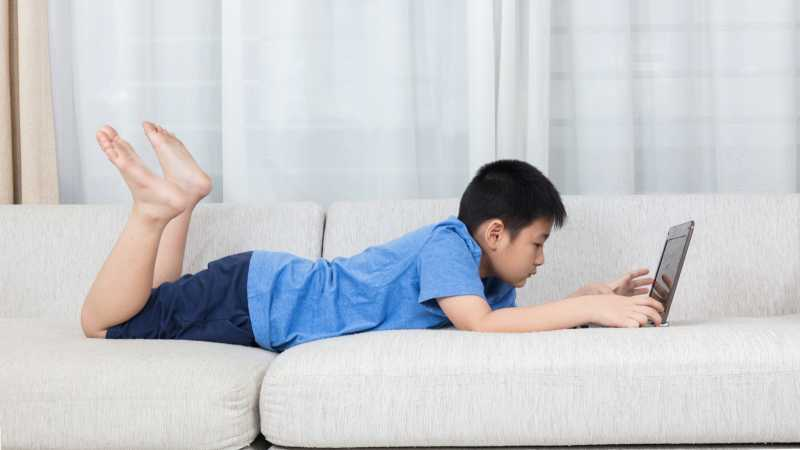 8 Cara untuk `Membersihkan` Anak dari Kecanduan Pornografi