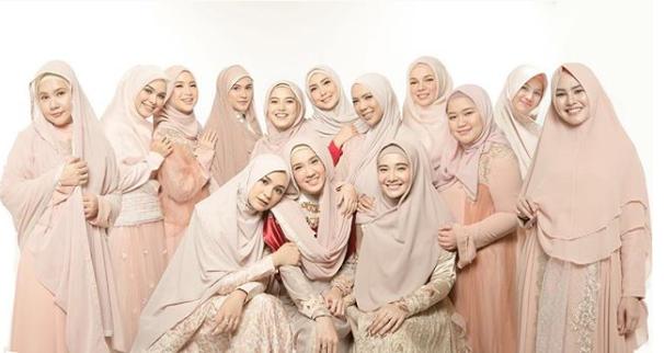 Usai Foto Bersama, Ini 5 Curhatan Artis yang Tergabung Dalam Hijab Squad