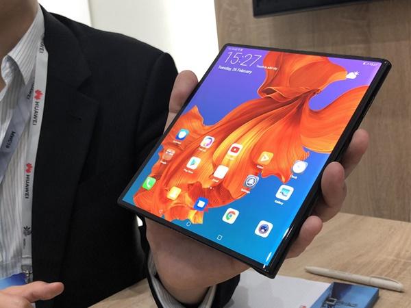 Huawei Tunda Peluncuran Smartphone Lipat Mate X, Kenapa?