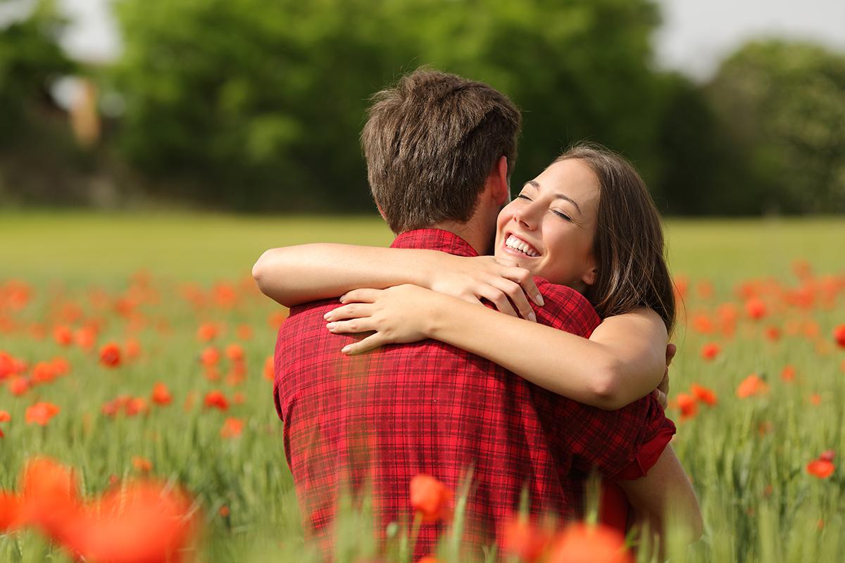 5 Hal yang Membuat Pria Tak Bisa Jauh dari Wanita Berzodiak Virgo
