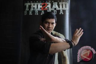 Aktor Laga Iko Uwais Kenalkan Senjata Tradisional Kerambit
