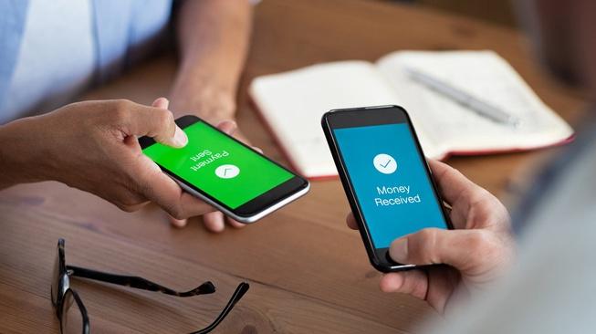 Gopay Vs OVO: Dompet Digital Bertarung Memaksimalkan Dukungan