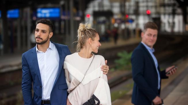 Sisi Lain Pelakor: Cinta pada Pasangan Lain