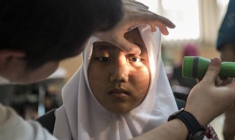 Gangguan Penglihatan Bisa Dideteksi Melalui Hitung Jari