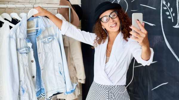 Menambang Uang dari Selfie