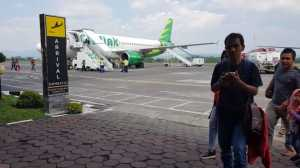 Ribuan Burung Serbu Bandara Adisutjipto, 12 Penerbangan Ditunda