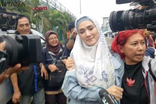 Mulan Jameela Hadiri Aksi Solidaritas Ahmad Dhani