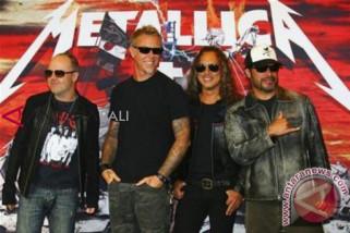 Tur Metallica Ditunda Gara-gara Vokalis Masuk Rehab