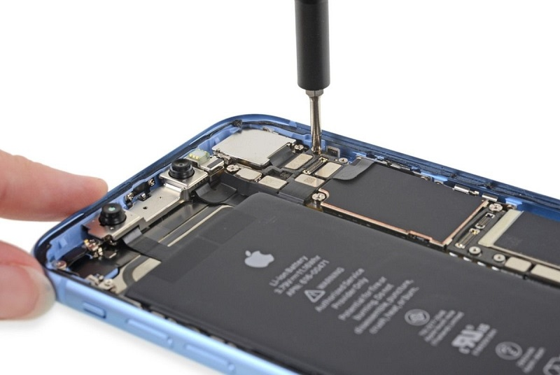 Baterai iPhone XR Lebih Besar dari iPhone XS