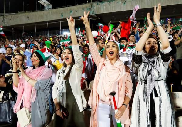 Sejarah Baru, Penonton Perempuan Iran Bisa Nonton Piala Dunia dalam Stadion