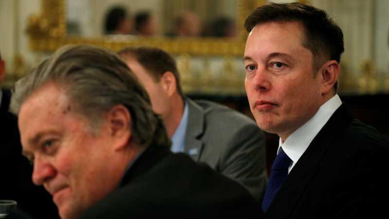 Elon Musk Daftarkan Merek Minuman Alkohol Teslaquila