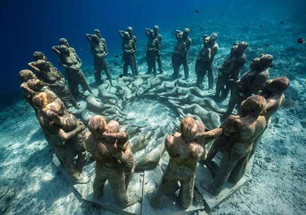 Sebuah Galeri di Bawah Laut Gili