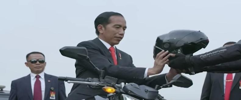 5 Kemiripan Aksi Presiden Jokowi dengan Adegan Film Mission Impossible