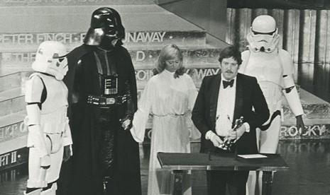 Perancang Busana Legendaris Star Wars Tutup Usia