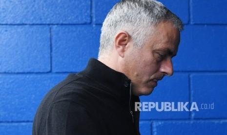 Senja Kala Kesombongan Mourinho