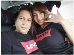 Jose Poernomo Pamer Kemesraan Bersama Angel Karamoy