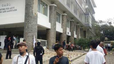 Usai Wisuda, Dinding Bangunan di ITB Runtuh Timpa Mahasiswa