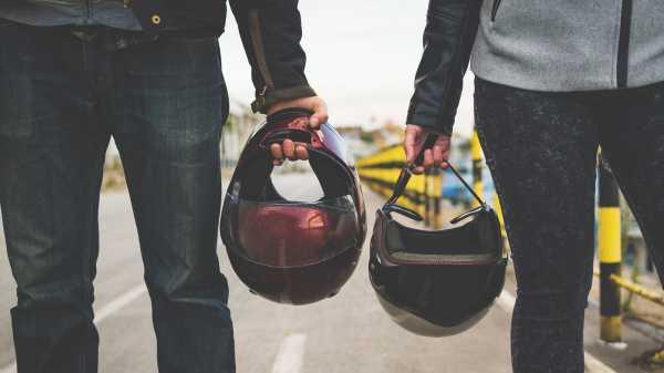 Sejarah Lahirnya Helm, Dipacu Tingginya Angka Kematian Saat Bekendara