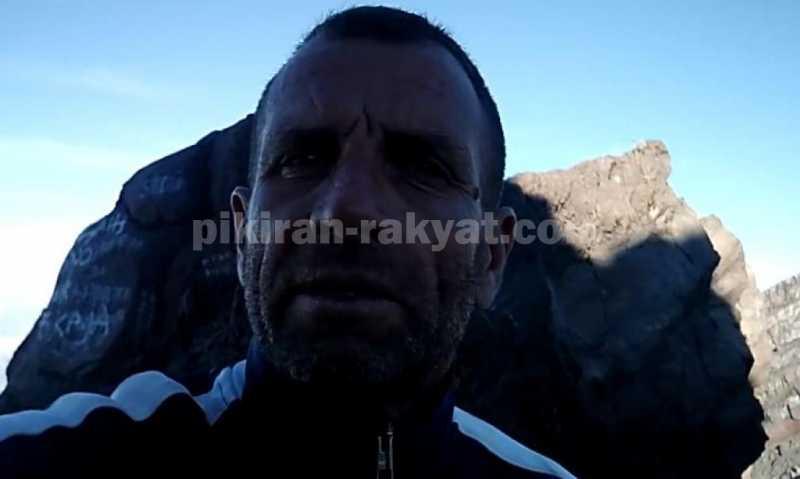 Bule Ini Nekat Bikin Vlog di Gunung Agung