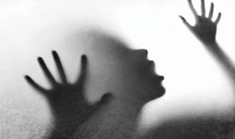 Minta Tolong untuk Angkat Galon, Wanita Ini Malah Diperkosa