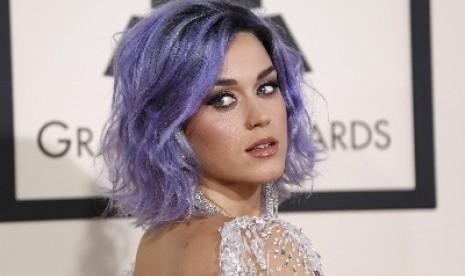 Katy Perry Sebut Semua Ajang Penghargaan Palsu