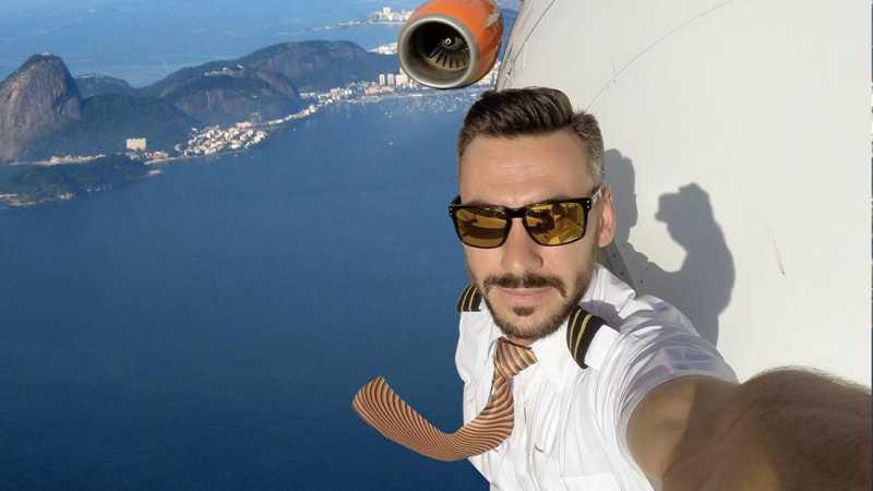 Foto Selfie Pilot di Luar Pesawat Bikin Heboh Jagat Instagram