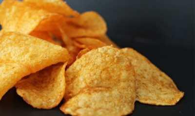 Mengapa Orang Sulit Berhenti Ngemil Snack Kentang?