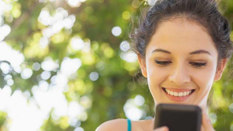 3 Alasan Tak Kirim Chat pada Mantan Saat Malam Tahun Baru
