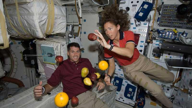 Alasan Astronaut Sulit Sendawa dan Kentut di Luar Angkasa