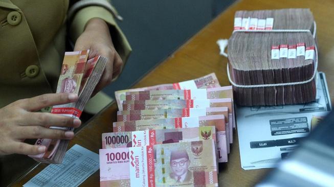 Dilema Saat Transaksi Uang Tunai Bakal Dibatasi
