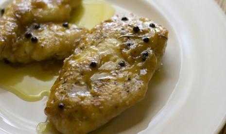 Kreasi Simpel Lezat, Ayam tanpa Tulang dengan Salad