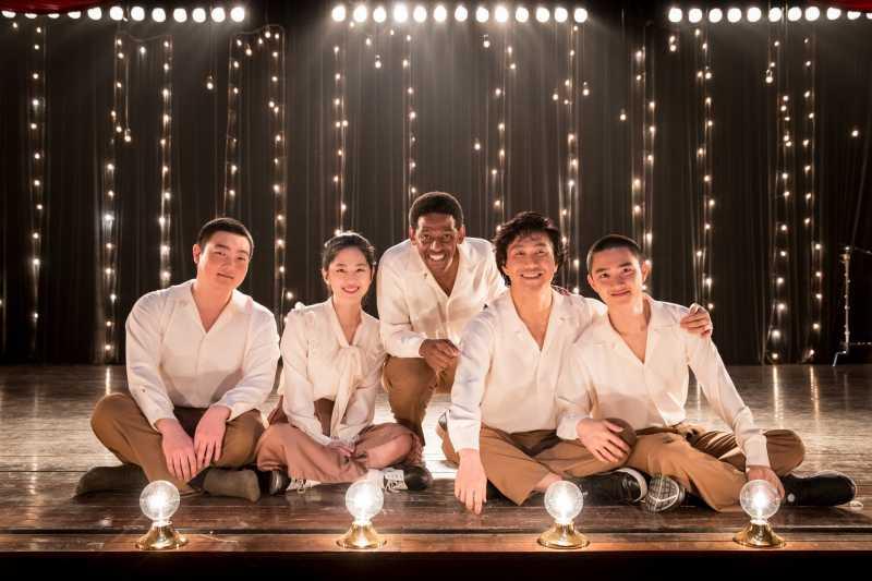 Pemain Film Swing Kids Puji Kemampuan Tap Dance D.O EXO