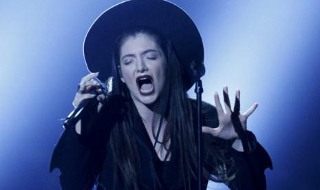 Lorde Minta Maaf Atas Komentarnya Mengenai Taylor Swift