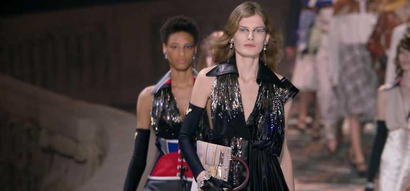 Tas Paling Mencuri Perhatian pada Show Louis Vuitton