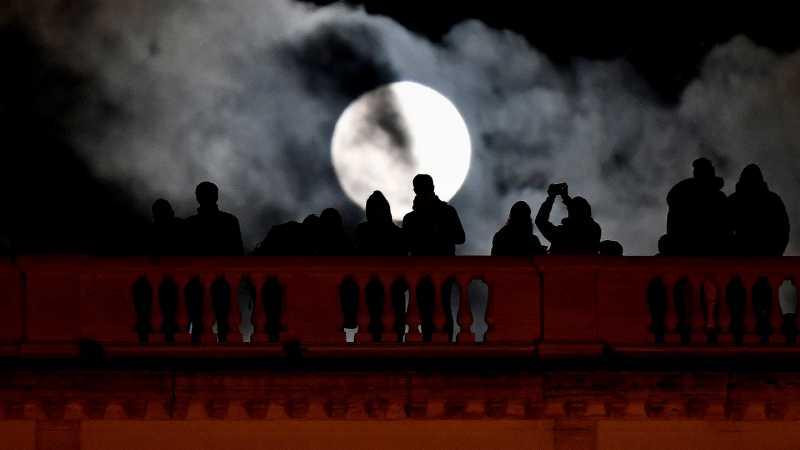 Bulan, Dalang di Balik Tenggelamnya Titanic