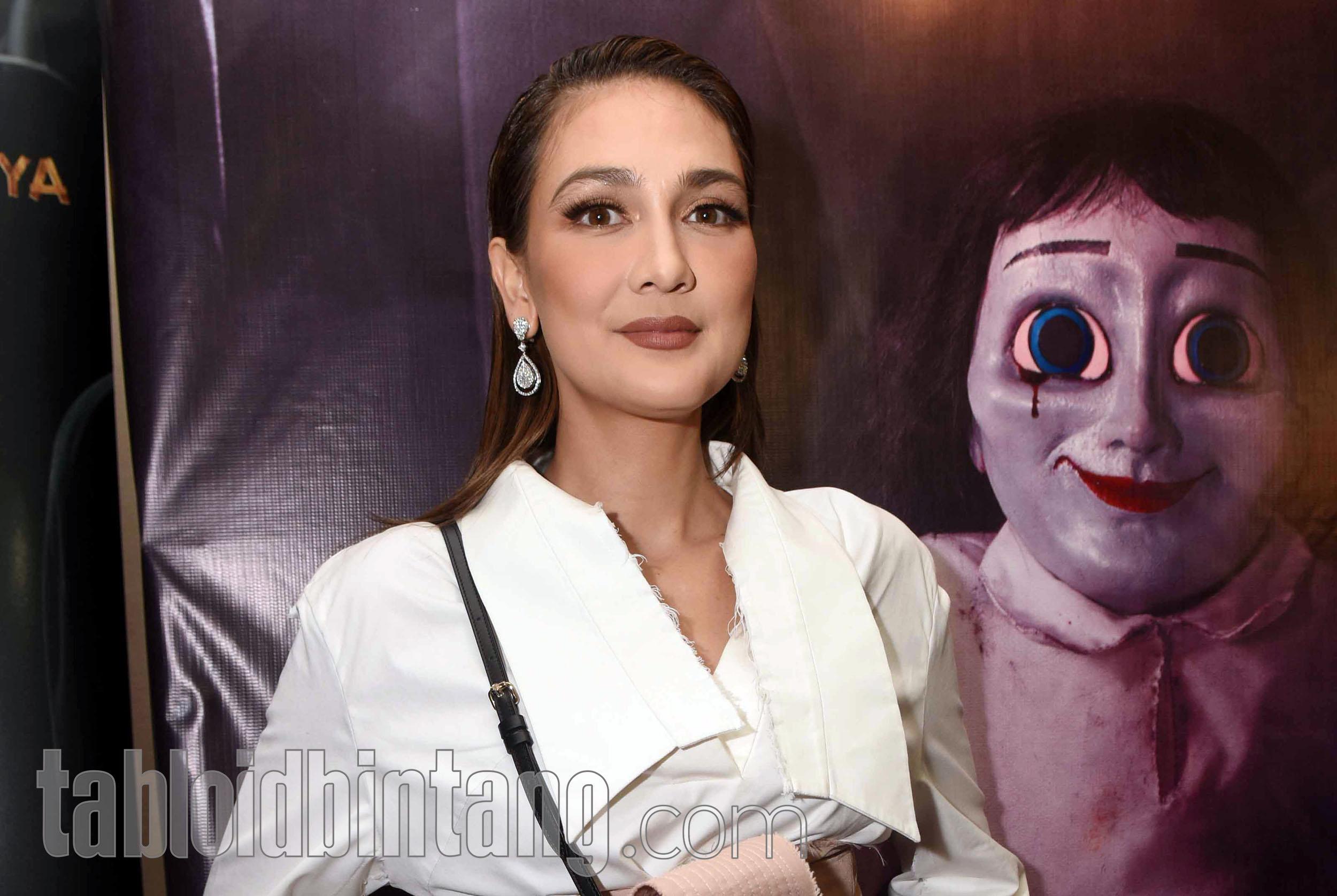 Main Film Bareng Artis Hollywood, Luna Maya Merasa Naik Kelas