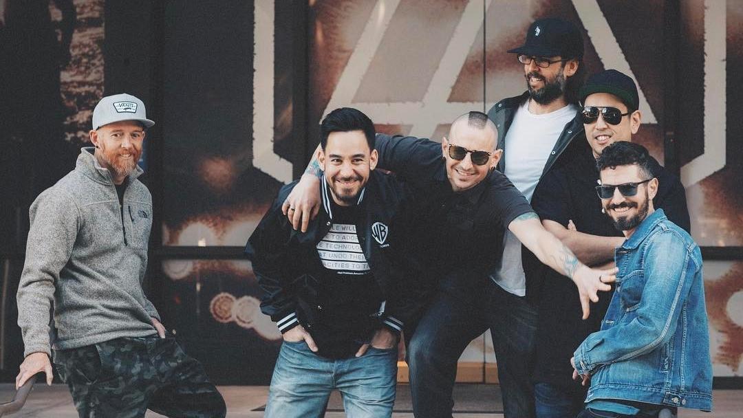Chester Bennington Tewas, Bagaimana Kelanjutan Tur Konser Linkin Park?