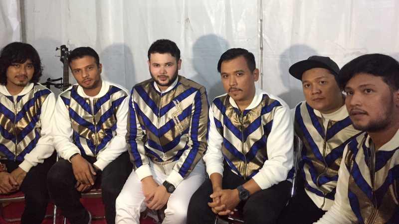 Ridho Rhoma dan Sonet 2 Band Pede Go International Secara Indie