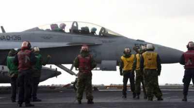Lagi Gabut! Pilot Angkatan Laut Amerika Gambar Mr. P di Langit dengan Pesawat