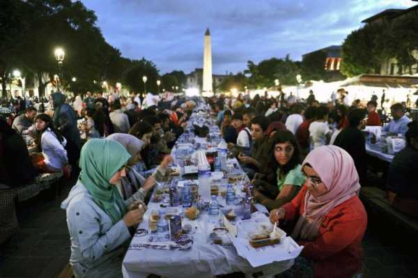 7 Tradisi Ramadhan di Berbagai Belahan Dunia yang Tidak Ada di Indonesia